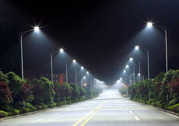 Manovra: incentivi agli enti locali per installare lampioni a risparmio energetico